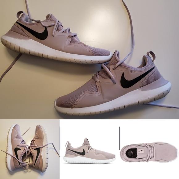 Nike Tessen Particle Rose Running Shoes